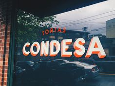 Tortas Condesa designed by Aaron Bloom. Connect with them on Dribbble; Painted Letters, Painted Signs, Hand Painted, Typography Inspiration, Design Inspiration, Daily Inspiration, Letras Abcd, Window Signage, Type Illustration