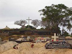 Langi Tuʻofefafa, with a cemetery at its baseMu'a (Tongatapu) - Wikipedia, the free encyclopedia