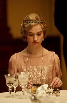 Character inspiration [Lily James as Lady Rose MacClare in Downton Abbey] Downton Abbey Costumes, Downton Abbey Fashion, Matthew Crawley, Gentlemans Club, Belle Epoque, Lady Mary, Costume Design, Female, Portrait
