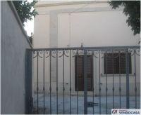L'agenzia Immobiliare Salento Vendocasa vende antica abitazione indipendente a Muro Leccese, a pochi minuti da Otranto.