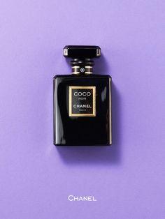 パリジェンヌのワードローブに欠かせないリトルブラックドレス。その黒という色を日常的にまとうきっかけを与えてくれたともいえるのがココ シャネル。そんなココの生きざまを、香りで表現したかのような名香「ココ ヌワール」で、身も心もパリへと妄想トラベルしてみては? シャネルの専属調香師、ジャック・ポルジュによって完成された香りは、闇の中で瞬く光を表現したエレガンスの新しい形。肌でそっと香らせたら、いつしか情熱と官能を奥底に秘めた、ドラマティックな表情に変身しているはず。