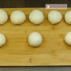 E timpul să faci cele mai pufoase lipii de casă, cea mai simplă rețetă! - savuros.info Mai, Eggs, Breakfast, Food, Romanian Recipes, Salads, Morning Coffee, Essen, Egg