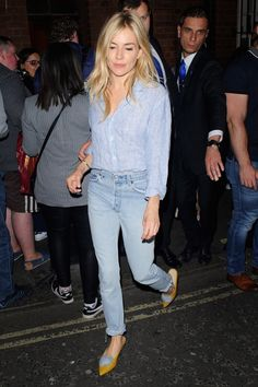 Sienna Miller has been looking so good lately. We love  the pop of color the mustard pointed flats give this look. Check out her effortless outfit formula.