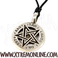 Nuevo pentagrama invertido, perfecto para los amantes de la simbología --> ¡Regalatelo! Realizado en materiales antialérgicos.