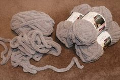 Easy Chunky Hand-Knitted Blanket in One Hour : 9 Steps (with Pictures) - Instructables Chunky Yarn Blanket, Chenille Blanket, Hand Knit Blanket, Crochet Blanket Patterns, Knitted Blankets, Knitting Patterns, Scarf Patterns, Stitch Patterns, Baby Blankets