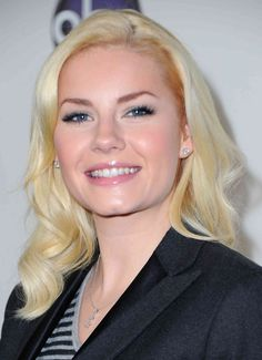 A Photo Gallery of Gorgeous Platinum Colored Hair: Elisha Cuthbert. Actress Elisha Cuthbert's rosy skin looks great with her bleached locks, which aren't as light as the other platinum shades Cool Hairstyles For Men, Pixie Hairstyles, Easy Hairstyles, Elisha Cuthbert, Platinum Hair Color, Blonde Bangs, Hottest Female Celebrities, Pale Skin, Beautiful Actresses