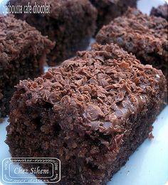 Basboussa café chocolat ( un délice) Cake Cookies, Cupcake Cakes, A Food, Food And Drink, Paris Brest, Cake & Co, Pasta, Sweet Bread, Healthy Baking