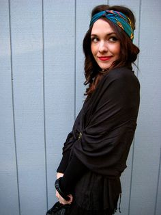 red lips and head scarf... cute!