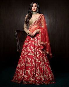 Are you looking for bridal lehenga designs photos for reception and wedding? Here is a latest 2018 & 2019 collections of bridal lehenga images.View more. Red Lehenga, Indian Bridal Lehenga, Indian Bridal Wear, Indian Wedding Outfits, Pakistani Bridal, Bridal Outfits, Indian Outfits, Bridal Dresses, Lehenga Choli