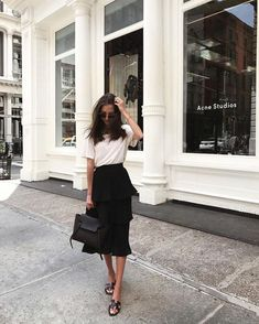 Casual Summer Work Outfits For Women with Short Skirt 27 Mode Outfits, Skirt Outfits, Casual Outfits, Fashion Outfits, Fashion Tips, Work Fashion, Modest Fashion, 80s Fashion, Fasion
