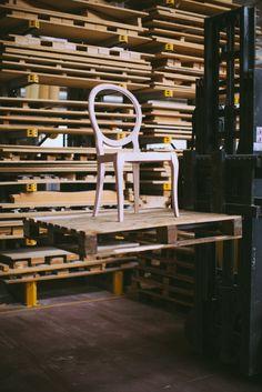 Adelaide chair by Venetasedie Production