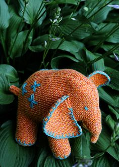 Knitted Baby Elephant free pattern.  Just went to a baby shower where this was made in a lovely green color and it was adorable
