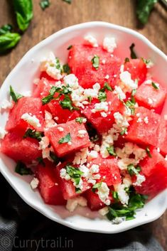 Watermelon feta salad with basil leaves served in white bowl Make Ahead Salads, Easy Salads, Summer Salads, Healthy Salads, Watermelon Feta Basil Salad, Watermelon Recipes, Recipes Using Fruit, Best Fruit Salad, Feta Salat