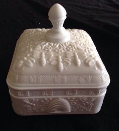 Vintage Tiara Indiana Glass Honey Bee Covered Candy Dish White Milk Glass