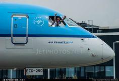 Embraer 190-100STD PH-EZC 19000250 Amsterdam Schiphol Airport - EHAM