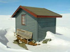 Cabin in Jotunheimen. www.inatur.no/hytte/50f52e0de4b0a44b2c819911/slettrustvatn-jakt-og-fiskehytte-i-ardal-i-jotunheimen | Inatur.no