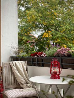 Der Herbst ist da – bei uns wird es gemütlich und das, dank Feuerhand, auch auf dem Balkon. – 170QM