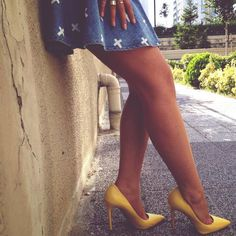 The #NineWest Goodlookin pump in yellow on fashion blogger J'adore! on #SALE for $99.99!
