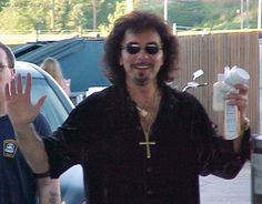 Hiyaaa!  The Great Tony Iommi!