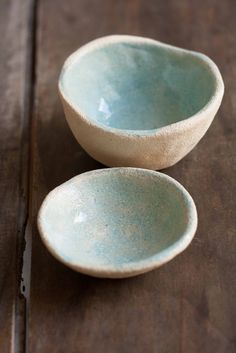 Image of Two bowls, color of the sky