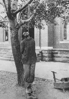 The lynching of Joseph Richardson in Leitchfield (Kentucky, USA). On Septembre 26, 1913.