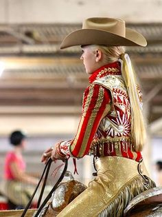 Amazing outfit. Deanna Green pictured- AQHA Youth World Show. Photo credit The Equine Chronicle