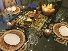 Pra dar mais glamour a um simples cachorro quente.  Por mais decoração à mesa, venha conosco! www.EuQueDecoro.com.br