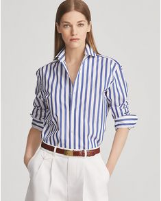 Ralph Lauren Collection Striped Cotton Shirt A classic striped shirt is a wardrobe staple! We love Meghan Markle's timeless Ralph Lauren Collection striped shirt in a simple blue and white colorway. Outfits With Striped Shirts, Ralph Lauren Womens Clothing, Blue And White Striped Shirt, Casual Outfits, Fashion Outfits, Looks Chic, Facon, Preppy Style, Shirt Outfit