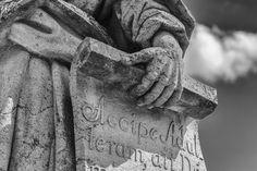Profeta de Aleijadinho, Brasil © Carlos Carvalho #brasil #minasgerais #congonhas #esculturas #dozeprofetas #dozeprofetasdealeijadinho #aleijadinho #império #imperivm #imperivmriodejaneiro | Aleijadinho Prophet, Brazil © Carlos Carvalho #brazil #minasgerais #congonhas #sculptures #twelveprophets #twelvealeijadinhoprophets #aleijadinho #empire #imperivm #imperivmriodejaneiro