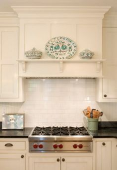 36 Range Hood Insert with Traditional Kitchen Also Black Counters Black Soapston. - 36 Range Hood Insert with Traditional Kitchen Also Black Counters Black Soapstone Countertops Cup P - Kitchen Redo, Kitchen And Bath, New Kitchen, Kitchen Ideas, Kitchen Black, Kitchen Sinks, Country Kitchen, Kitchen Interior, Kitchen Counters