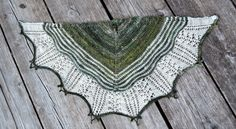 Spindle-stripe cowl. Free pattern in Swedish
