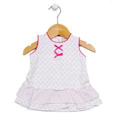 Niedliches Babykleid mit A-Schnitt aus Tricot mit Allover-Blumenmuster und wunderschönen Details.  #CoolBabies #Schweiz #SwissBaby #Babykleidung #Meitli  #Baby #Babykleider