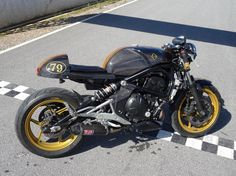 My carbon fibre cafe racer er6n kit