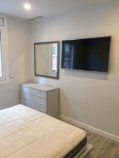 Habitación de matrimonio Living Spaces, Flat Screen, Nail Decorations, Blood Plasma, Flatscreen, Dish Display