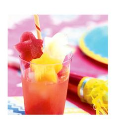 Ingredients 6 cups assorted fruit juices 3 cups ginger ale 3 cups seltzer water Directions Make the ice: Freeze juice in ice trays. When solid, release from molds and store by flavor in sealable freezer bags for up to 1 month. Make the punch: Fill an 8-ounce glass to the top with about 1/2 cup assorted flavored ice cubes, add 1/4 cup ginger ale and 1/4 cup seltzer, and serve immediately.