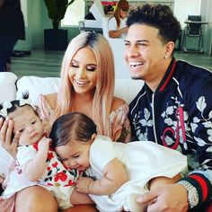 Lay lay showing some love to her cousin Bellamy! Cute Family, Family Goals, The Ace Family Youtube, Ace Family Wallpaper, Austin And Catherine, Kylie Jenner Workout, Catherine Paiz, Ace Hood, Celebrity Dads