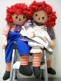 Raggedy Ann & Andy! (Large ones with soft bodies)