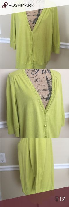 Lane Bryant Cardigan This is a very pretty cardigan from Lane Bryant. It is size 22/24, it has 3/4 length sleeves, some Landry wear & has one small stain shown in 4th bottom picture. Priced accordingly. Lane Bryant Sweaters Cardigans