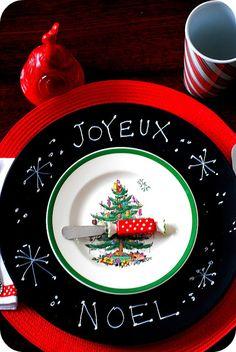 Make Chalkboard Chargers - #Holiday Entertaining #Christmas #DIY Craft