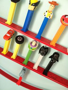 20 minute crafter PEZ dispenser display