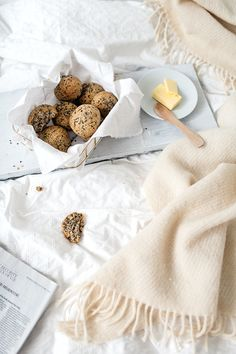 These hemp bread rolls have such a great taste and texture and the hemp seeds give them a nice crunch too! Whole Food Recipes, Cooking Recipes, Seed Bread, Good Food, Yummy Food, Vegan Options, Hemp Seeds, Bread Rolls, Gluten Free Baking