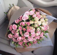 Boquette Flowers, Flower Boquet, Luxury Flowers, Happy Flowers, Fresh Flowers, Beautiful Flowers, Painting The Roses Red, Boho Room, Flower Aesthetic