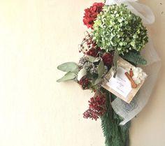 Category : swagご覧いただきありがとうございます。秋色紫陽花のスワッグのクリスマス用になります。秋色紫陽花に、オレゴン産のモミとコルムナリスのコ...|ハンドメイド、手作り、手仕事品の通販・販売・購入ならCreema。