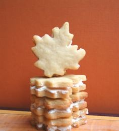Maple Cream Sandwich Cookies Maple Cream Sandwich Cookies With All Purpose Flour Baking Powder Salt Butter Sugar Brown Sugar Large Egg Maple Extract Butter Icing Sugar Maple Syrup Tags: Lemon Recipes, Fall Recipes, Maple Leaf Cookies, Cookie Recipes, Dessert Recipes, Maple Cream, Cookie Bars, Cookie Table, Sandwich Cookies