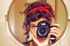curly hair updo-SO CUTE I SWEAR too bad i don't have curly hair :( Curly Hair Updo, Curled Hairstyles, Hair Dos, Pretty Hairstyles, Amazing Hairstyles, Hippie Style, Locks, Selfies, Vintage Curls