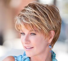 Long pixie hairstyles are a beautiful way to wear short hair. Many celebrities are now sporting this trend, as the perfect pixie look can be glamorous, elegant and sophisticated. Here we share the best hair styles and how these styles work. Short Hair Over 60, Short Thin Hair, Short Hairstyles For Thick Hair, Short Hair With Layers, Curly Hair Styles, Short Hair Cuts For Women Over 50, Fine Thin Hair, Ladies Hairstyles, Wedge Hairstyles