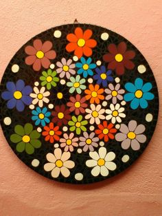 Rainbow Spiral of Flowers Mosaic Diy, Mosaic Garden, Mosaic Tiles, Dot Art Painting, Mandala Painting, Easy Flower Painting, Mosaic Stepping Stones, Record Art, Mosaic Projects