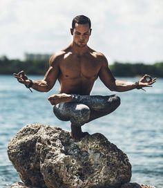 Yoga Lifestyle 649714683728787830 - A Yoga Lifestyle: Gabo Saturno, Calisthenics Master – Yoga Poses, Videos, Meditation and Community Partner Yoga, Yoga Inspiration, Style Inspiration, Physical Fitness, Yoga Fitness, Fitness Men, Fitness Tips, Health Fitness, Esprit Yoga