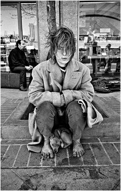 """Has The Milk Of Human Kindness Dried Up? Hope for Homeless. As Albert Einstein said, """"The world is a dangerous place, not because of those who do evil, but because of those who look on and do nothing."""" Hundreds of homeless b… Baie De San Francisco, Homeless People, People Of The World, Street Photography, Photography Ideas, Flower Photography, People Photography, Landscape Photography, Travel Photography"""