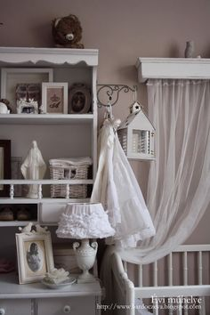 "bardoczeva: A lámpa ""új"" ernyője Shabby Chic Decor, Kids Room, Nursery, Pure Products, My Favorite Things, Table, Design, Decorations, House Interiors"